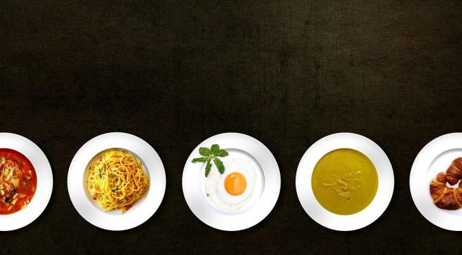 Jídlo na talířích